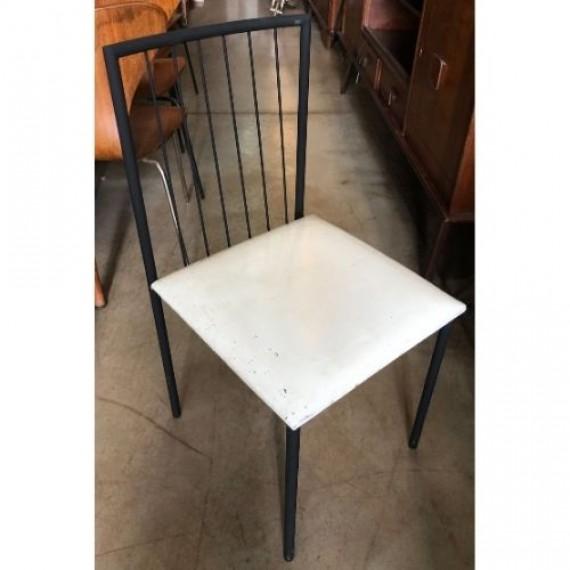 Cadeira de ferro UNILABOR
